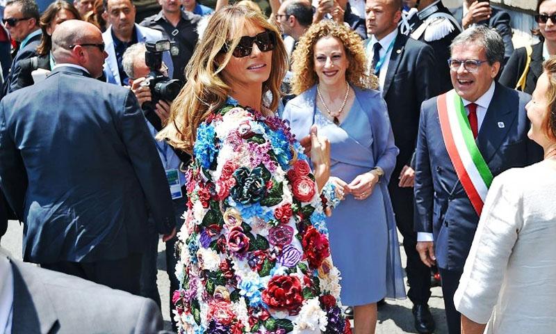 Dolce   Gabbana. Melania Trump y el abrigo de 950 mil pesos que lució en  Italia 8bad020a5d3f