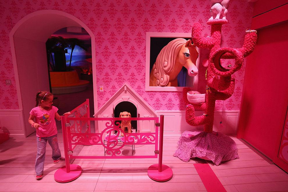 Barbie abre las puertas de su 39 hogar 39 en berl n - Arreglar la casa de barbie ...