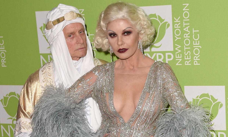 Catherine Zeta-Jones y Michael Douglas han rinden homenaje al Hollywood clásico
