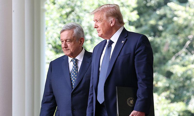 López Obrador regresa a México tras escenificar amistad con Trump