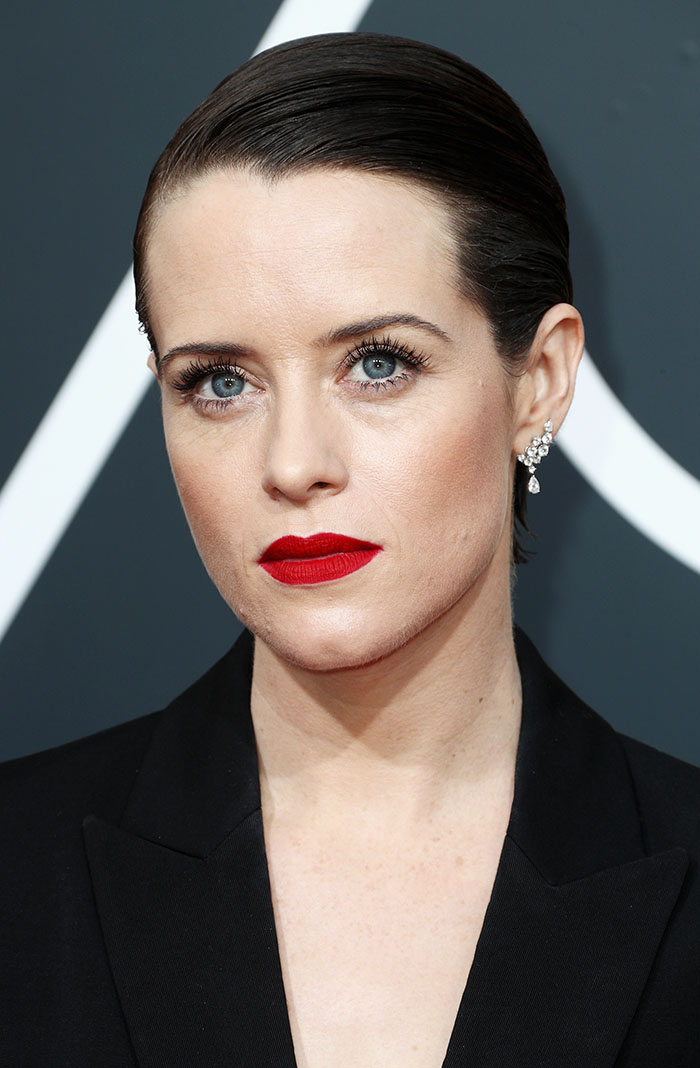 claire-foy-aretes
