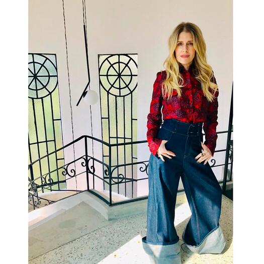 Eugenia Debayle Y Sus Sofisticados Pantalones Acampanados Foto 1