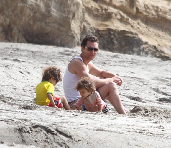 Matthew McConaughey se desnuda en Magic Mike