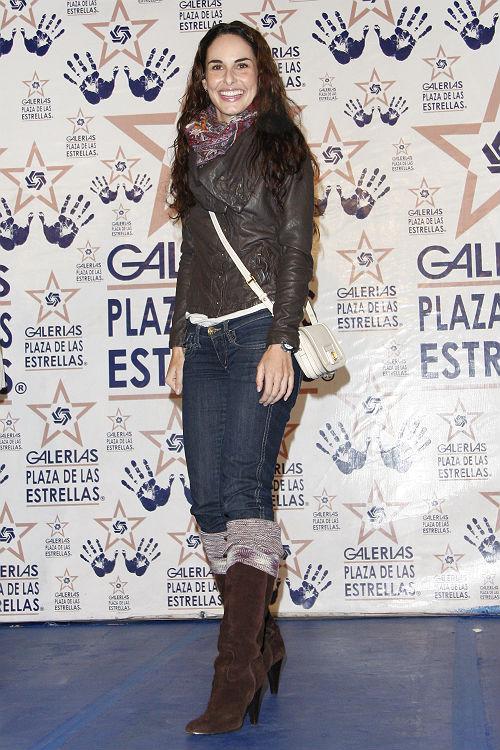 http://mx.hola.com/imagenes/cine/201208252135/andres-palacios-ana/0-7-276/huellas-ana--a.jpg