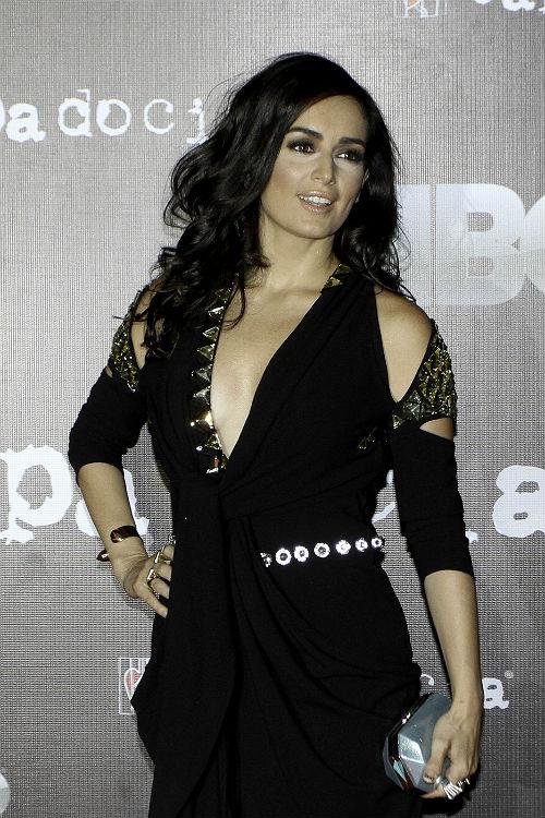 http://mx.hola.com/imagenes/cine/201209052212/ana-reguera-capadocia-presentacion/0-7-566/capa-do--a.jpg