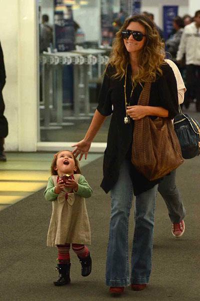 viaje escolta pequeña mama
