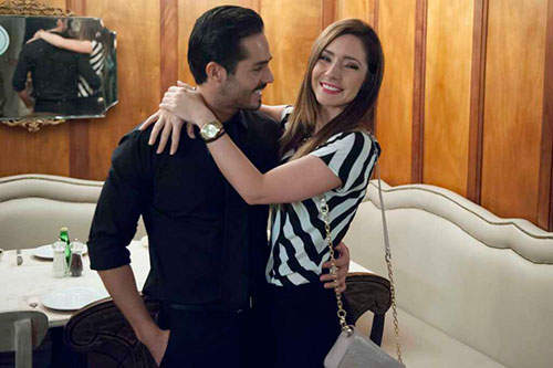 José Ron, guapo y exitoso, celebra su cumpleaños 32 al lado de su familia y de su amor, Ariadne Díaz