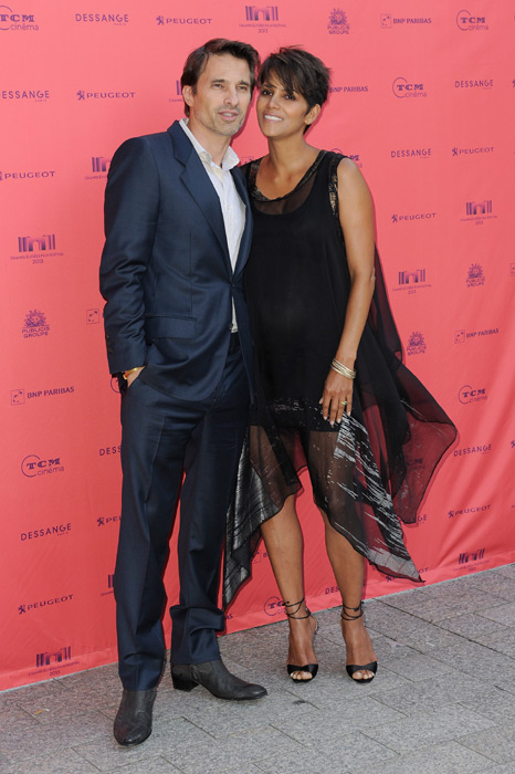 Halle Berry y Olivier ... Halle Berry
