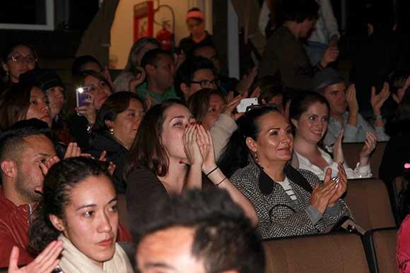 Besos, gritos y aplausos, Ariadne Díaz es la fan número ...