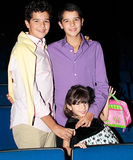 Roberto malone los gemelos follan dos veces 3 3