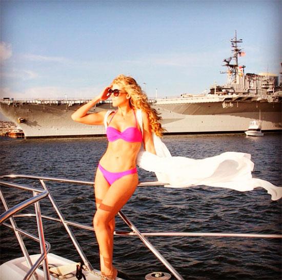 Sexy Fernanda 'de En Cuerpo Presume Diez' Bikini Castillo mN0wv8n