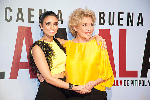 Aislinn Derbez presenta a su mamá, Gabriela Michel, en su ...