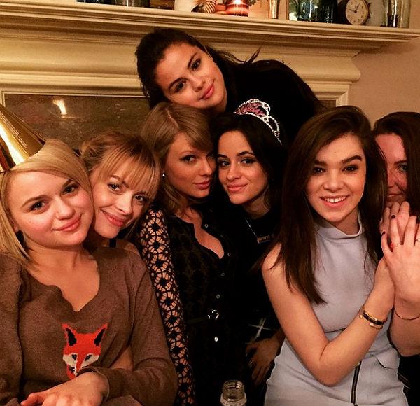 Taylor Swift y Selena Gomez, las más divertidas en la fiesta de ... 5ce37973cf