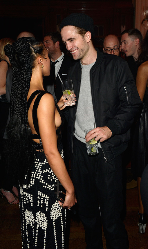 robert pattinson dating fka twigs Robert pattinson's new girlfriend, fka twigs, has spoken out about the unacceptable racist abuse she's endured at the hands of internet trolls.
