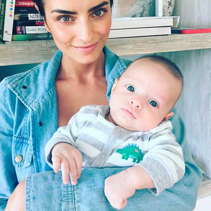 Aislinn Derbez 'entrena' para ser mamá con su sobrino