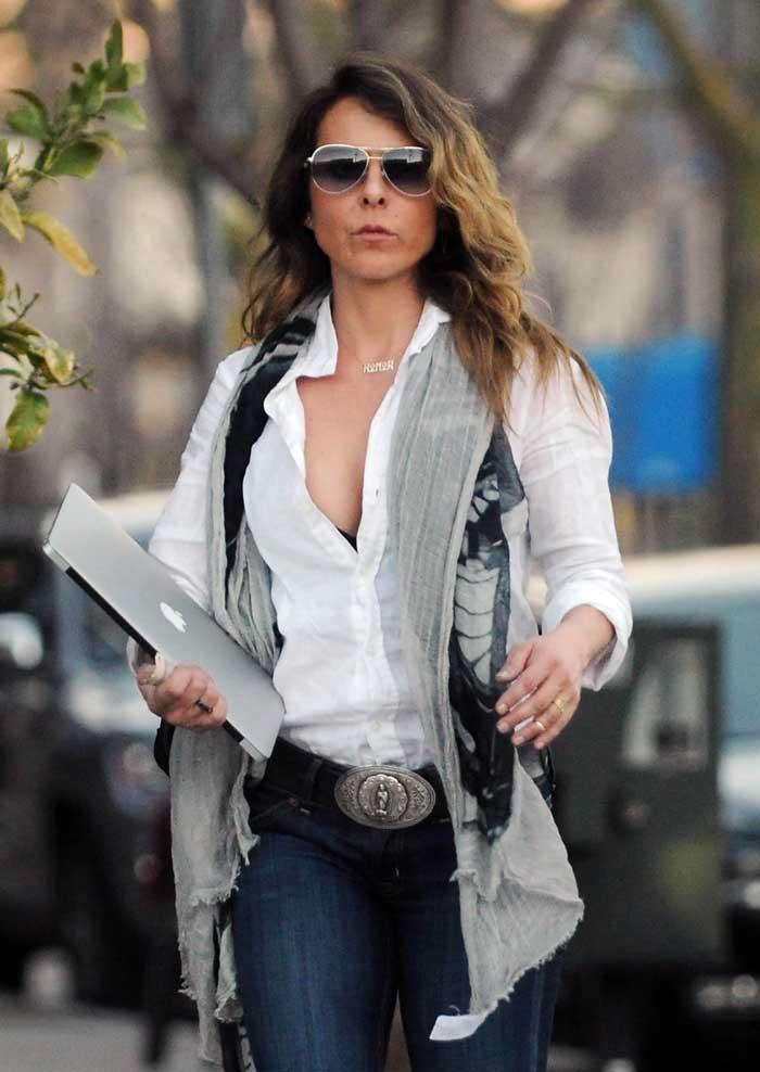 Hermosa mama de jeans - 1 8