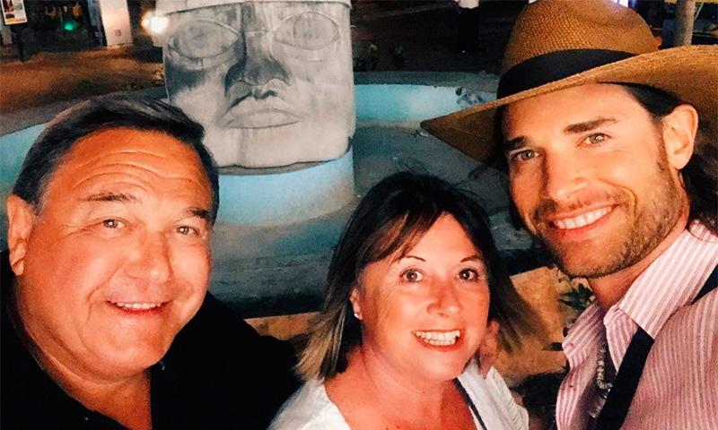 Sebastián Rulli, el 'niño' de papá y mamá, disfruta de 'sus pilares' en  Cozumel