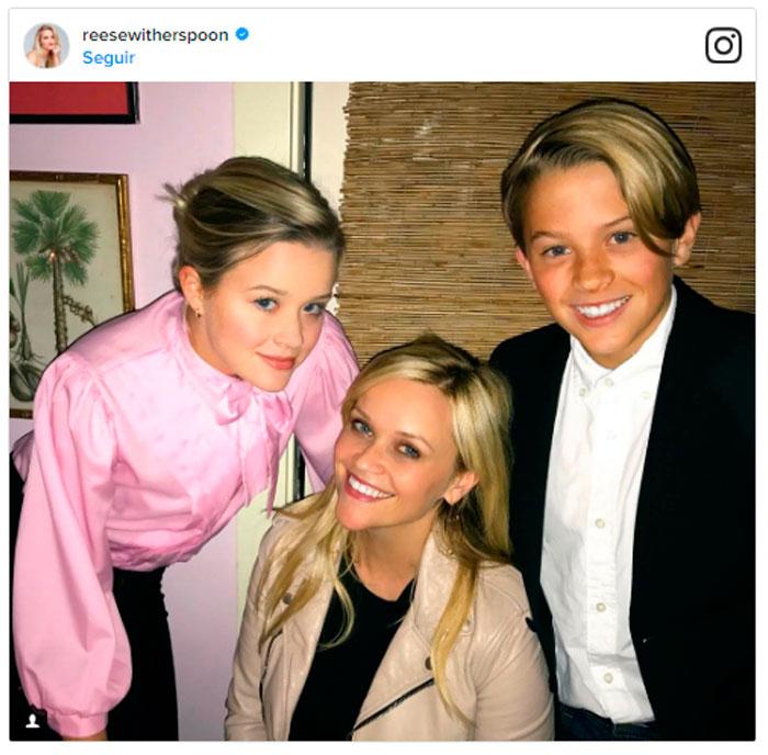 Reese Whiterspoon celebró su cumpleaños 41 junto a sus hijos, que son idénticos a ella