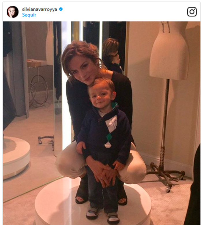 ¡Idénticos! Silvia Navarro y su hijo León, son uno mismo