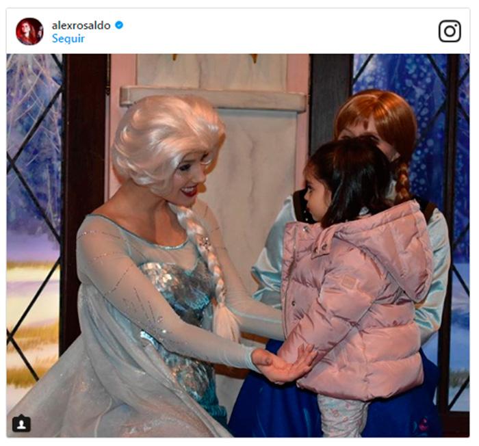 Aitana Derbez se convierte en una 'princesa' a la conquista de Canadá