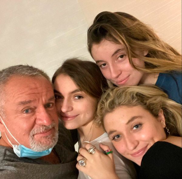 El Güero Castro y sus hijas