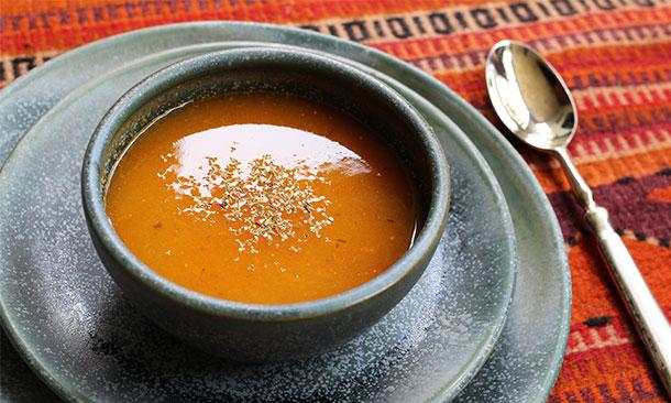 Consiente a tu seres queridos con esta rica sopa de jitomate