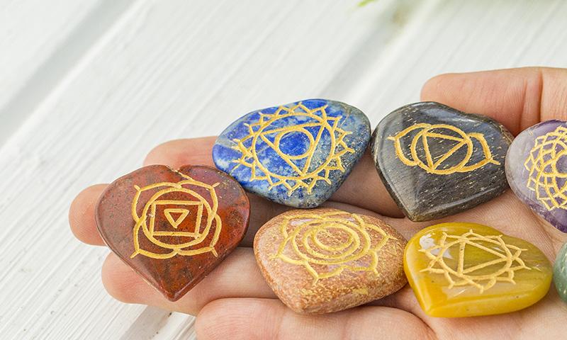 Mandalas pintados en piedra para decorar tu hogar - Piedra para decorar ...