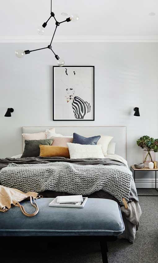 Decoraci n de dormitorios muebles y complementos para un - Como tapizar una descalzadora ...