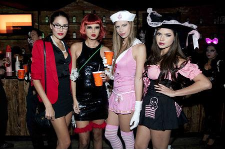Fiesta de disfraces de halloween de novias parte 1 9