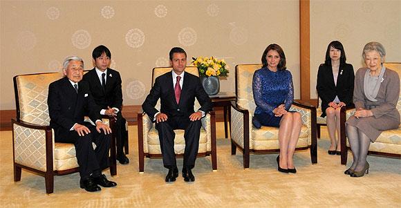 Ang lica rivera y el presidente pe a nieto visitan a su for Los nietos se separan