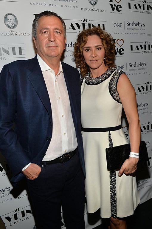 Angélica Fuentes y Jorge Vergara rompen relaciones ...  Angélica Fuent...