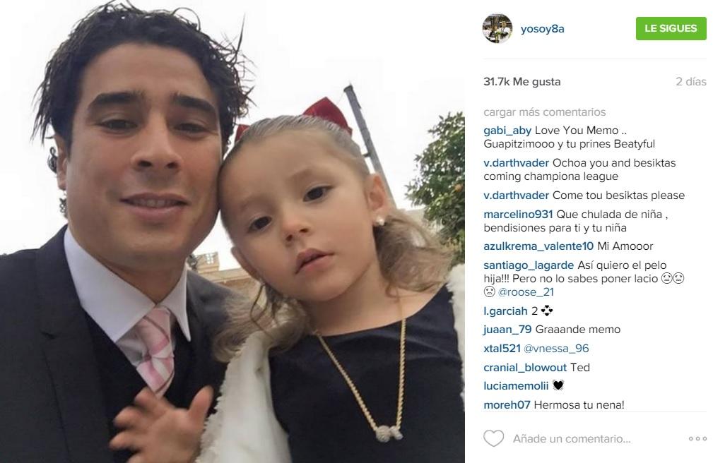 Memo Ochoa Y Su Hija