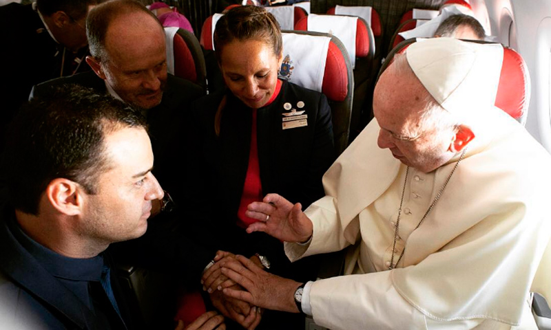 papa-francisco-boda-chile-avion