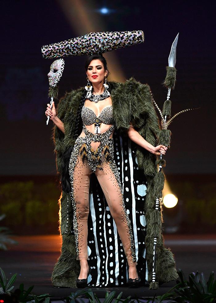 fd9a171599 Los más originales trajes típicos de las competidoras de Miss ...