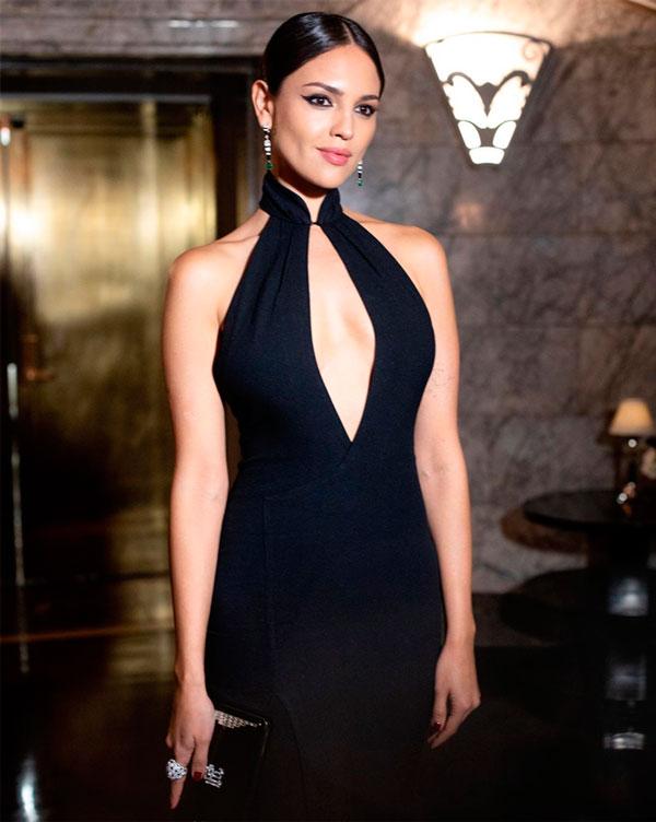 Eiza González Y El Vestido Ralph Lauren Con El Que Conquistó