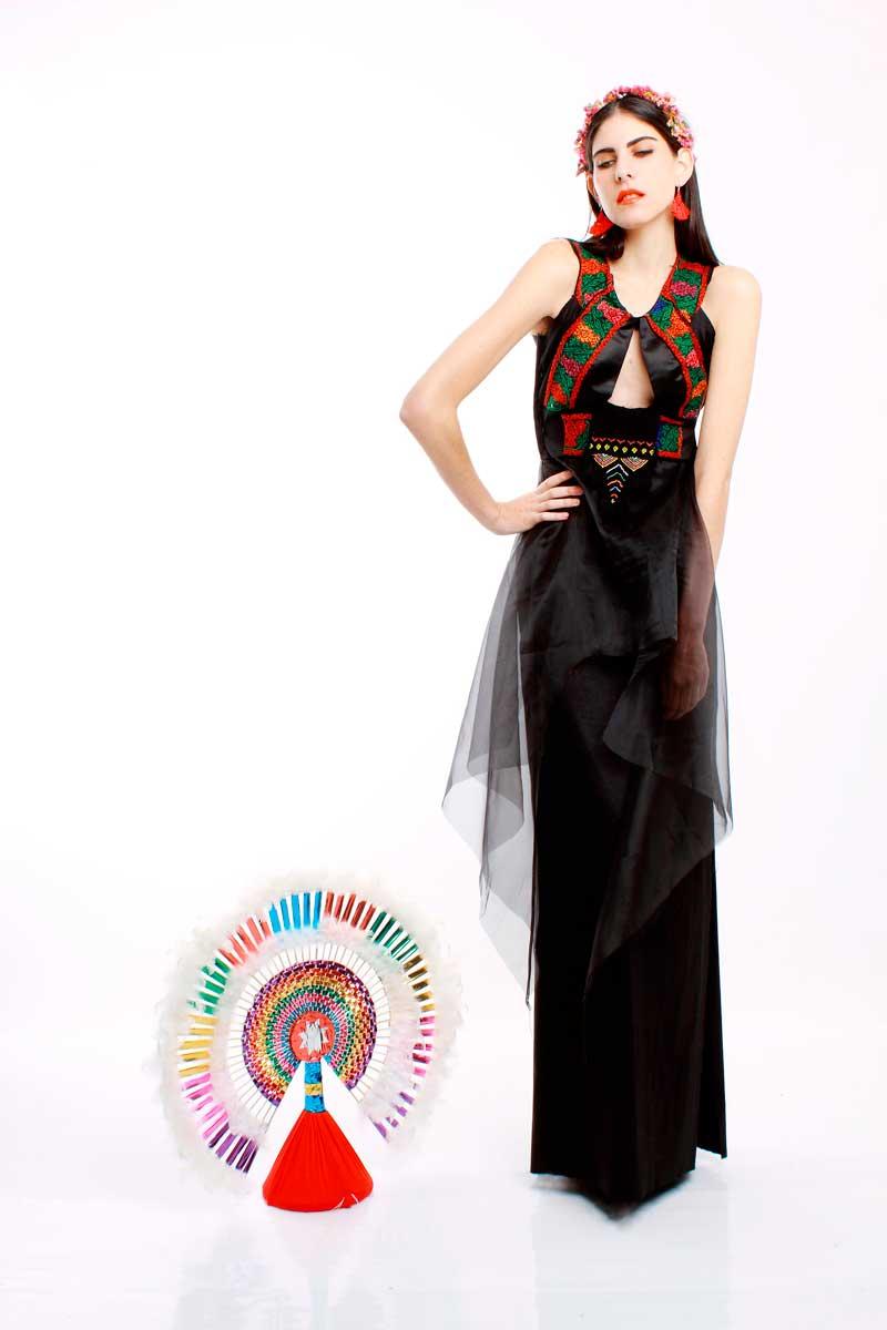 mercedes benz fashion week 2015 resalta el estilo mexicano foto. Black Bedroom Furniture Sets. Home Design Ideas
