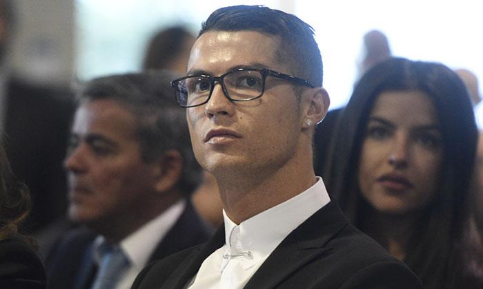 Cristiano Ronaldo y su look más chic -y viral- hasta el momento... ¿por?