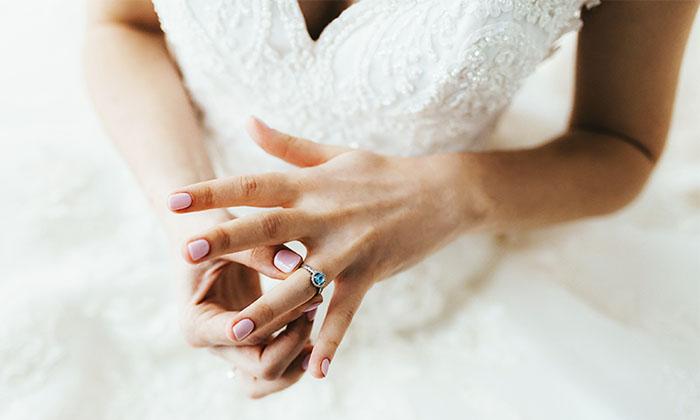 ¡Bye, diamantes! Esta es la tendencia en anillos que los millennials están comprando