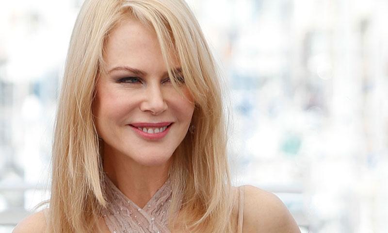 Nicole Kidman enamora con su look nude, ¿quién lo firma