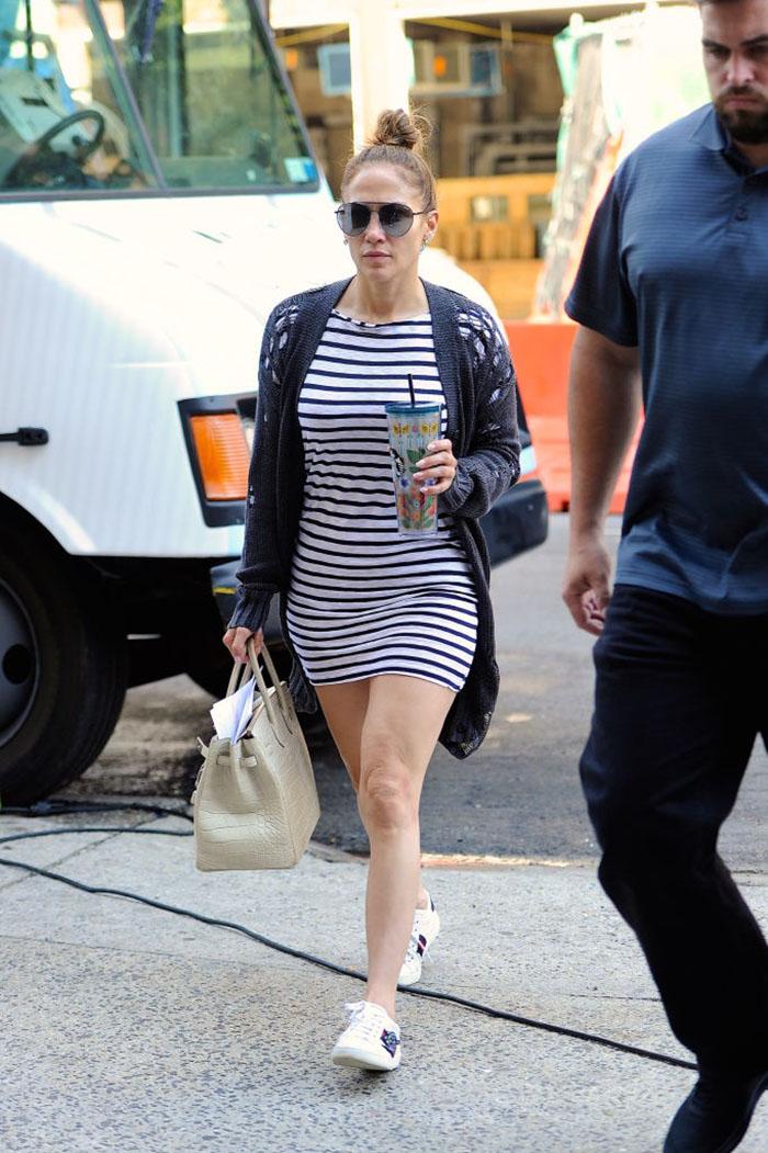 Jennifer Lopez y su look sporty de más de 1 millón de