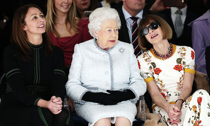 reina-isabel-ii-anna-wintour-front-row
