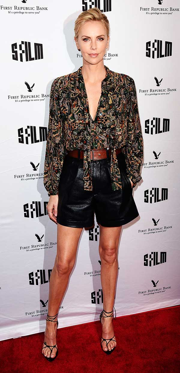 Charlize-Theron-en-Saint-Laurent