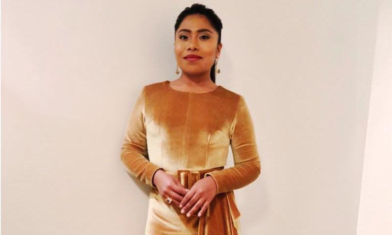 Yalitza Aparicio Y El Vestido De Diseñador Mexicano Con El
