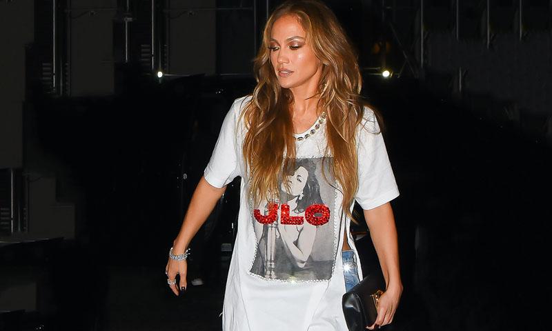 ¡Muy Jlo de su parte! Jennifer Lopez lució una camiseta con su propia foto
