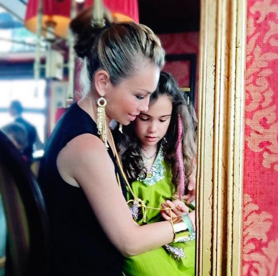 ¡Qué grandes! Thalía presume a sus hijos, Sabrina y ... Shakira Instagram