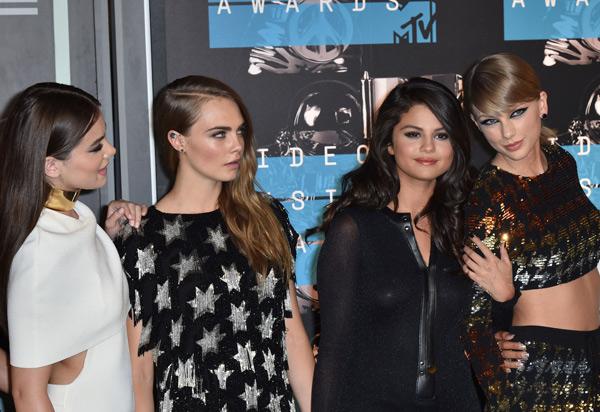 Taylor Swift quedó sorprendida al conocer a una fan idéntica a ella