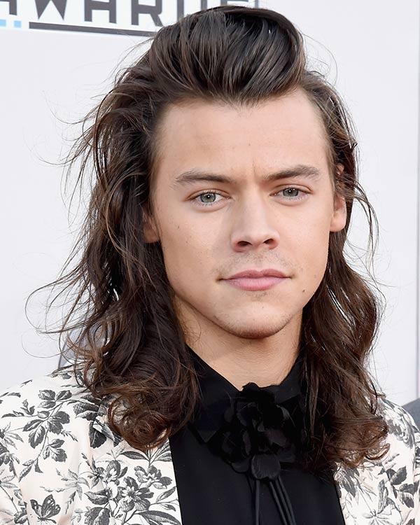 Harry Styles se despide de su larga melena por una buena causa