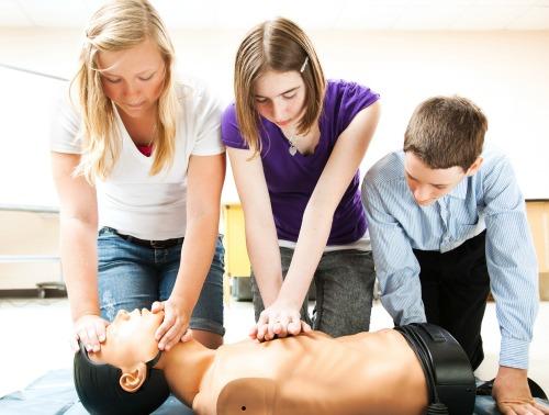 http://editor2.hola.com/ninos/galeria/2013061165384/adolescentes-reaccionar-emergencias/1/?&editor=preview&