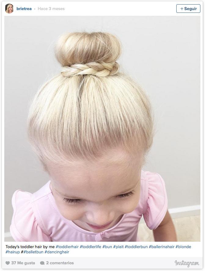 Nena de cabello corto se deja coger en el suelo - 3 3