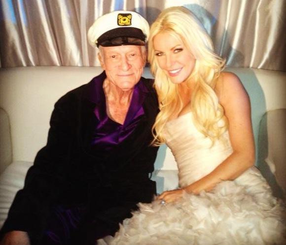 <strong>Hugh Hefner</strong>, fundador de 'Playboy', se casa con <strong>Crystal Harris</strong>, 60 a&ntilde;os menor que &eacute;l